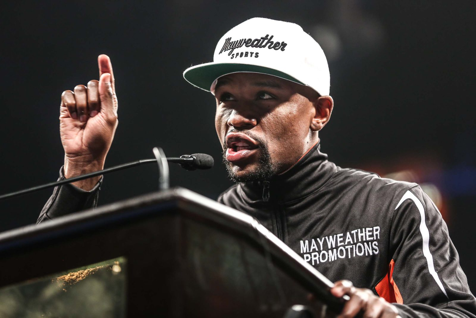 Floyd fumes over LeBron-inspired snub