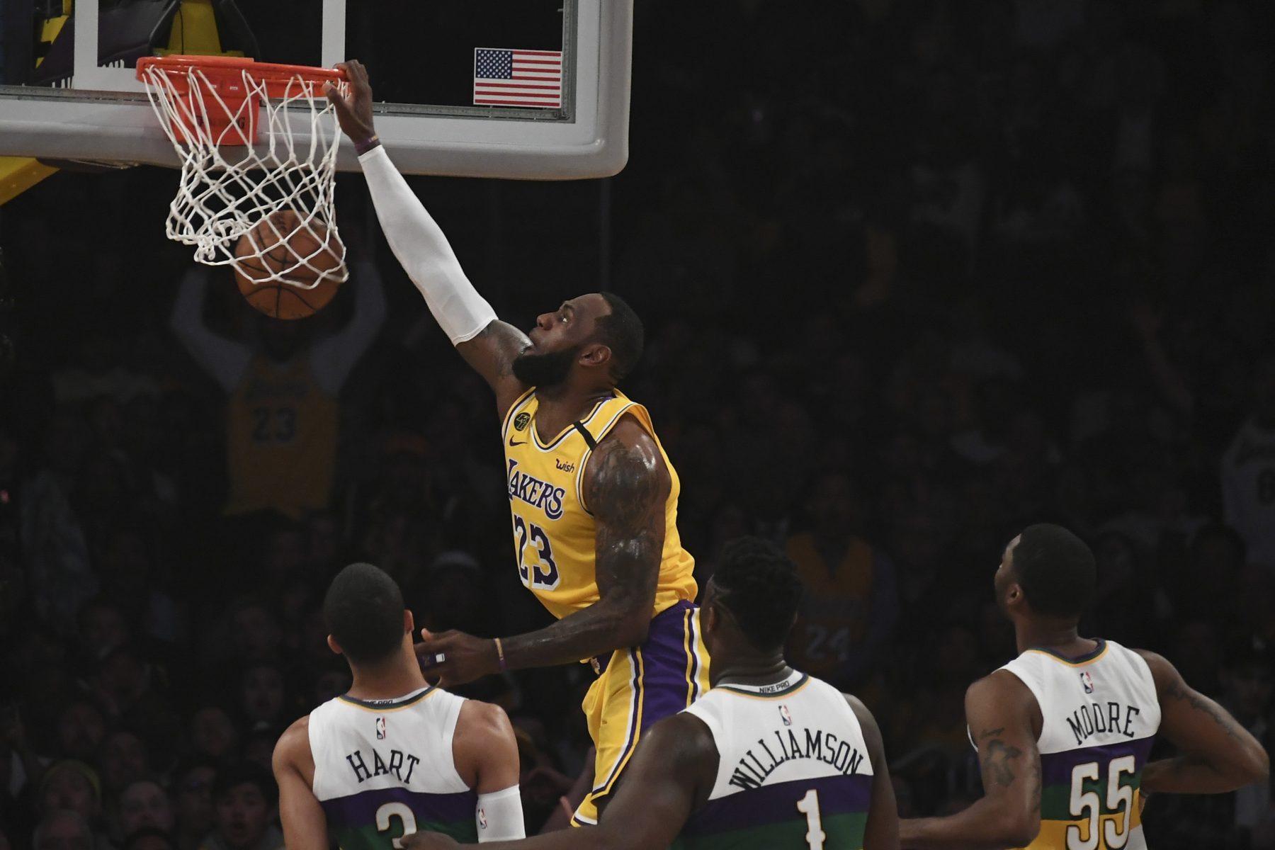 LeBron James Lakers Dunk