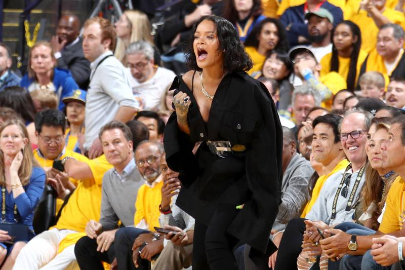 LeBron's 40 bests Zion, sends Lakers past Pelicans
