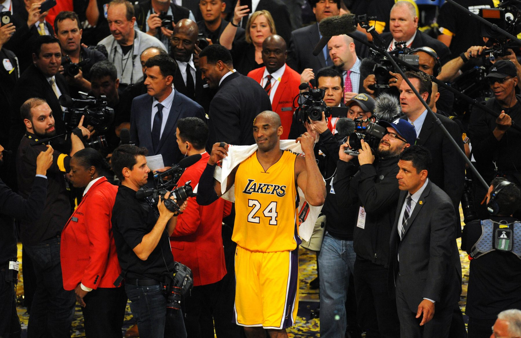 Kobe Bryant's farewell speech towel sold for over $30,000 at auction