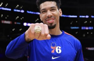 Danny Green with championship ring