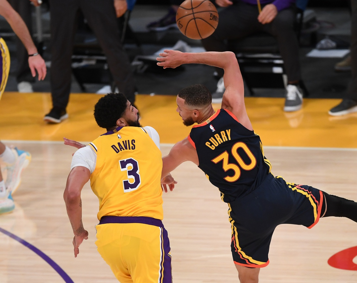 Anthony Davis and Stephen Curry